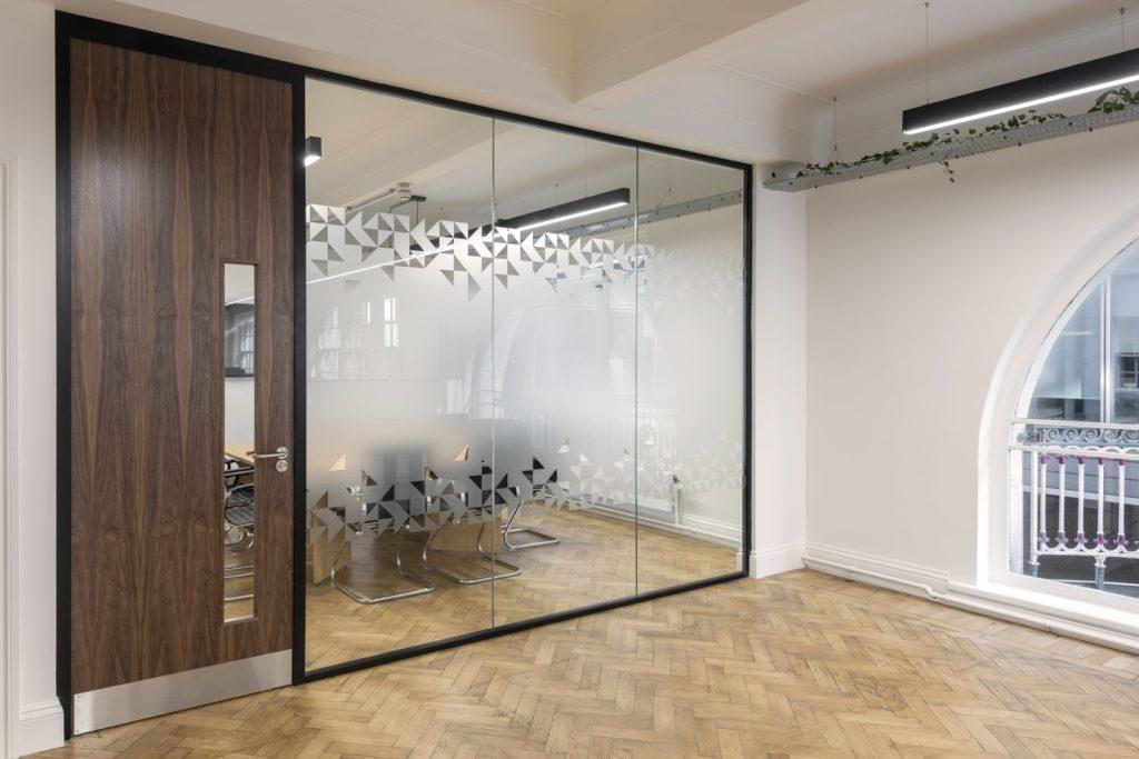 Komfort Polar 54 glass partitioning