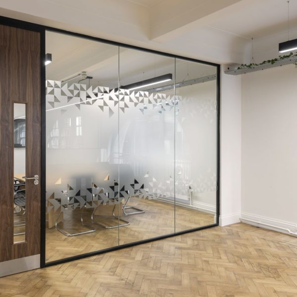 Komfort Polar 54 glass partitioning